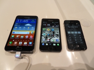 Samsung Note, Samsung Galaxy S ve iPhone 4